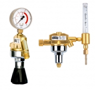 IBEDA Entnahmestellen-Druckminderer bestehen aus einem stabilen Messinggehäuse mit Manometern nach EN 562  ED-H / EDF-H